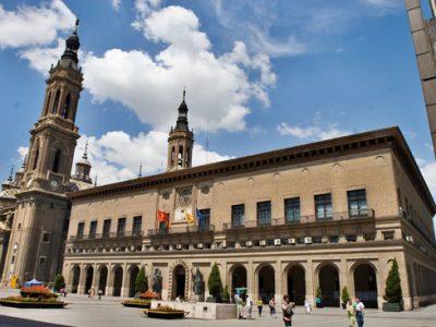 ASAMBLEA EN EL HALL DE LA CASA CONSISTORIAL – CONCENTRACIÓN ANTE LA DELEGACIÓN DEL GOBIERNO
